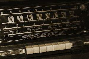Old radio 1